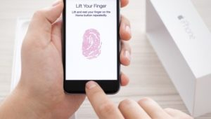 iPhone без Touch ID - что это и стоит ли покупать